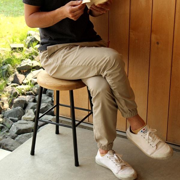 アイアンと集成材を組み合わせたアンティーク風の木製スツール・オーク