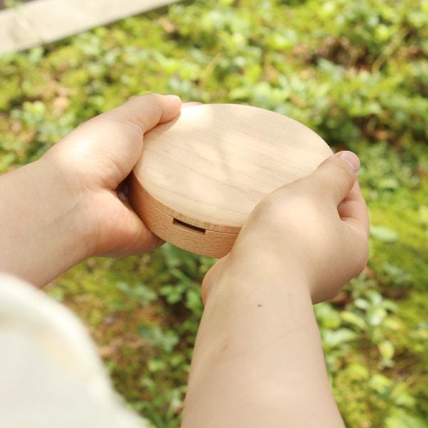 やさしいカタチの木製乳歯入れ