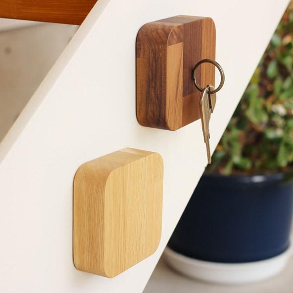 鍵を収納していないときでもインテリアになる木製キーキャッチャー