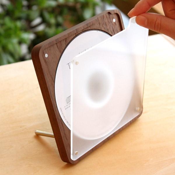 ケースのフタは磁石で簡単に簡単に付け外し可能
