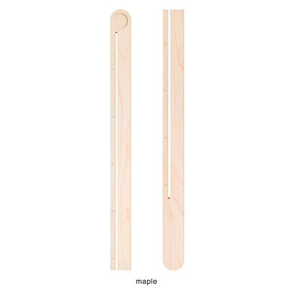銘木メープルを木地職人が削り出して作った身長計
