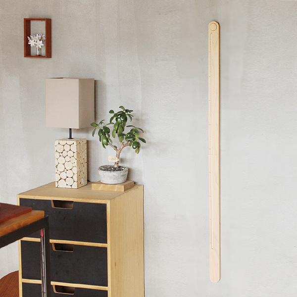 一本の柱のようなすっきりとしたデザイン。どの部屋のスタイルにも馴染みます。