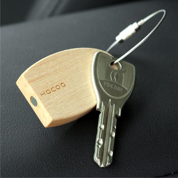 強力な磁石がついたキーホルダーにハローキティのイラストを刻印