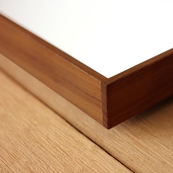 壁掛け・床置き用に。細くてシンプルな木製フレームのミラー