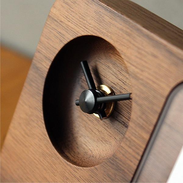 時を刻むごとにあなただけの表情に成長する天然木製の時計&フォトフレーム。
