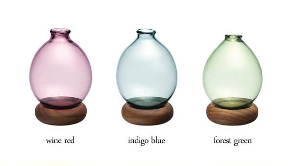 透き通るようなガラスで作る、北欧風のフラワーベース