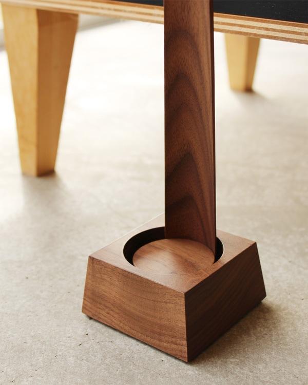 Hacoaの木製靴べら専用スタンド「Shoehorn Stand」