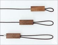 なげわのような木製携帯ストラップ