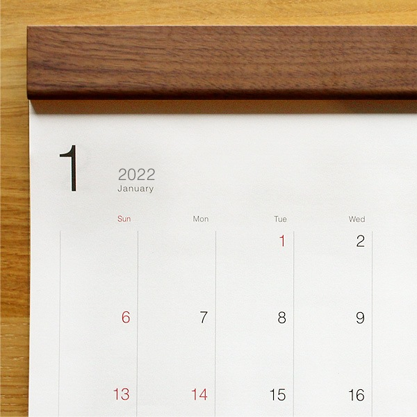予定を書き込みやすい木製壁掛けカレンダー