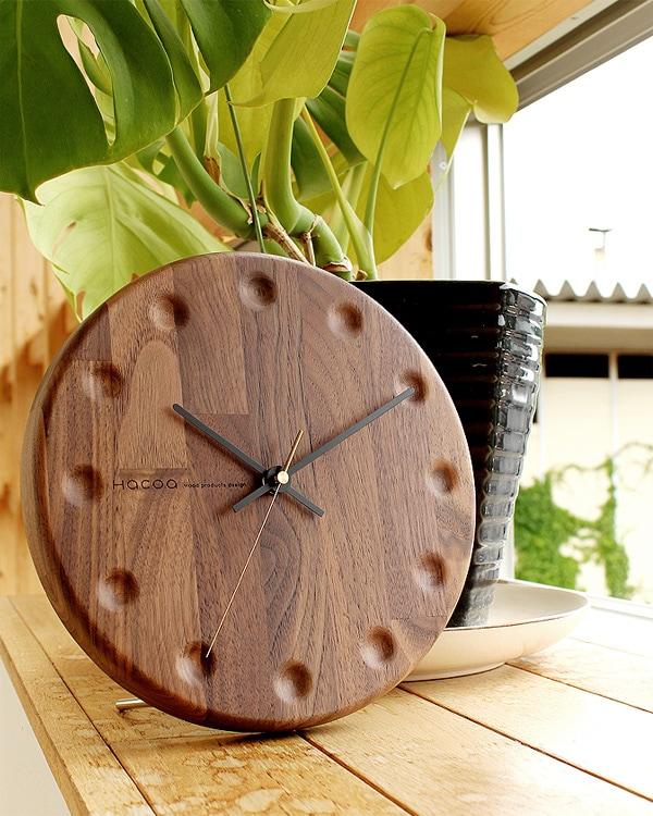 Hacoaブランドの時と共に風合いを増す壁掛け・置き時計「Wall Clock Block Stripe」