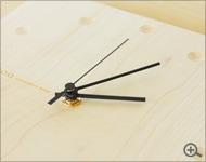 Hacoaブランドの時と共に風合いを増す壁掛け・置き時計