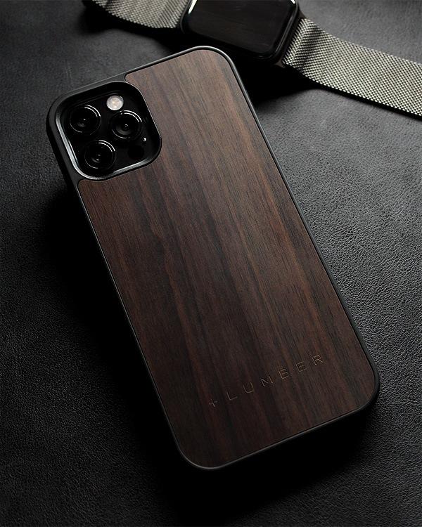 ハードケースと天然木を融合したiPhone 12/12Pro専用ケース(黒檀)