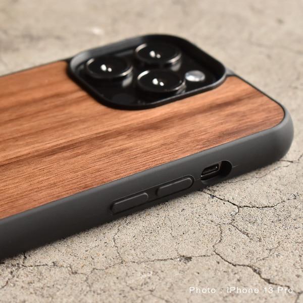 ハードケースがしっかりとiPhoneを守り、天然木の質感が手に安らぎを与えてくれます。
