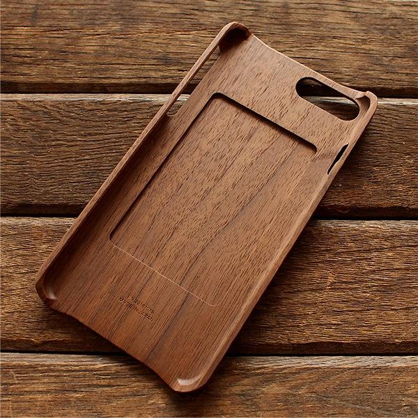 iPhone7プラスに対応した木製アイフォンケース。ICカードも利用可能