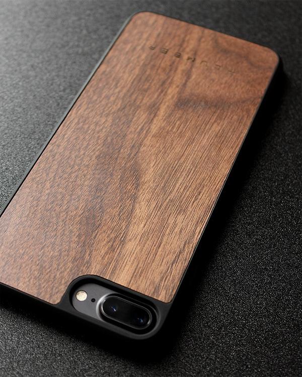 丈夫なハードケースと天然木を融合したiPhone8/7 Plus木製ケース