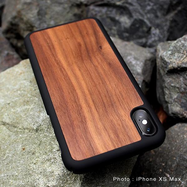 天然木の手触りと自然の木目が楽しめるアイフォンXS Max専用のハードケース
