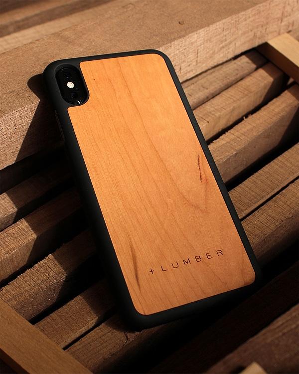 丈夫なハードケースと天然木を融合したiPhoneXS Max木製ケース