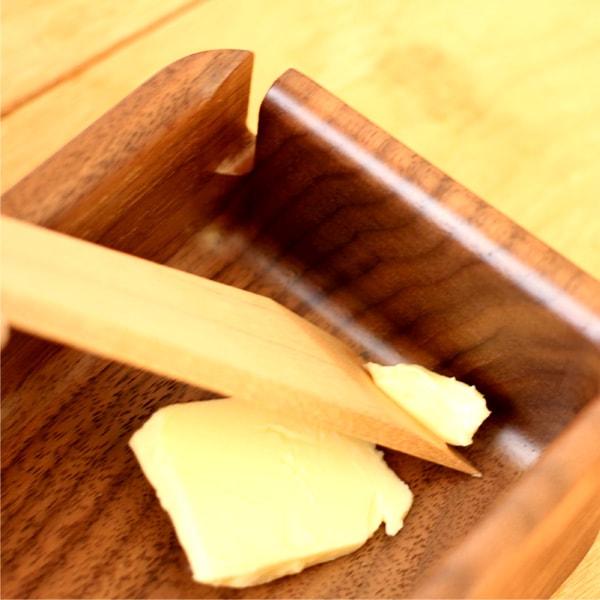 ケースの隅々までバターをカットできるバターケース