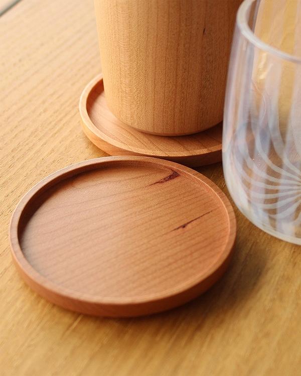 無垢材の木製コースター 北欧風のデザインがおしゃれ