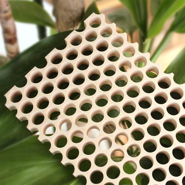 Hacoaブランド、機能的なデザインの木製トリベット