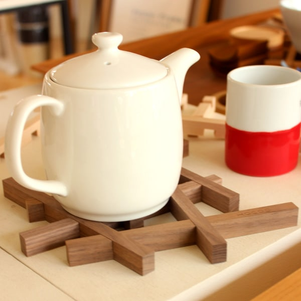 本物の木材を使用した鍋敷き「Nest ネスト」キッチン雑貨/トリベット/北欧風デザイン