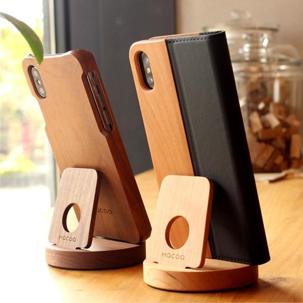 様々なスマホや小型タブレットにも使える汎用性高いおしゃれな木製スマートフォンスタンド