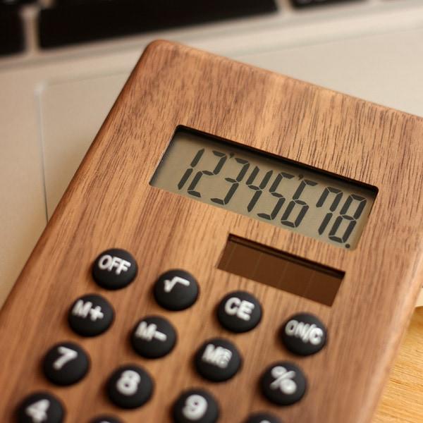 8桁表示のかわいい木製ソーラー電卓