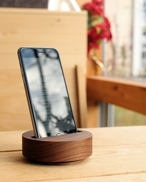 素材を活かしたシンプルな木製スピーカー「Wooden Speaker Drum」