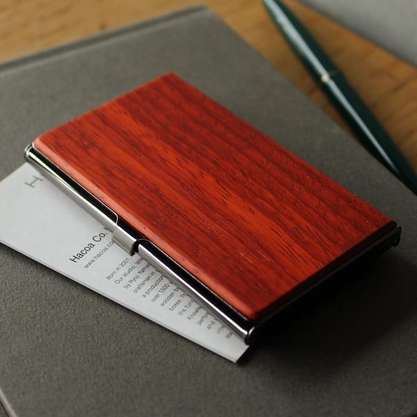 クリスマスにぴったり。新色カリンの木製名刺入れ・カードケース