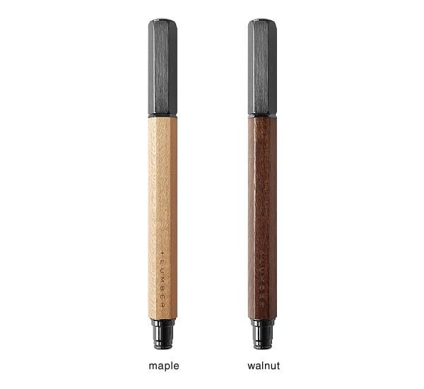 万年筆はメープルとウォールナットからお選び頂けます。