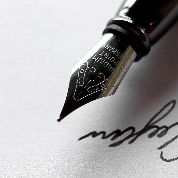 使い込む毎に貴方だけの愛着ある万年筆へと育ちます。