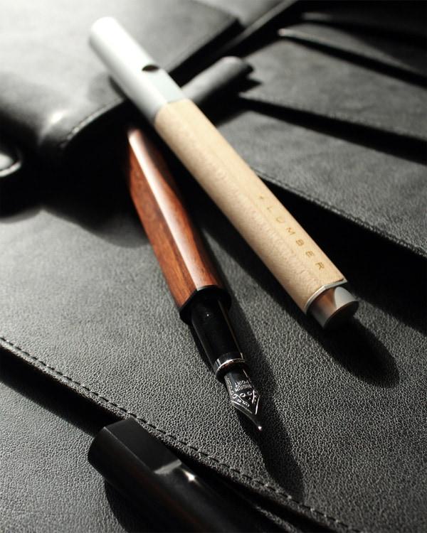 削り出したアルミに銘木をプラスした万年筆「FOUNTAIN PEN 01」