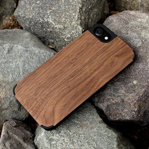 天然木の手触りと自然の木目が楽しめるアイフォン8専用のハードケース