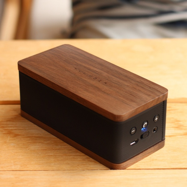 Bluetoothでスマホと接続可能 木目が美しいスピーカー