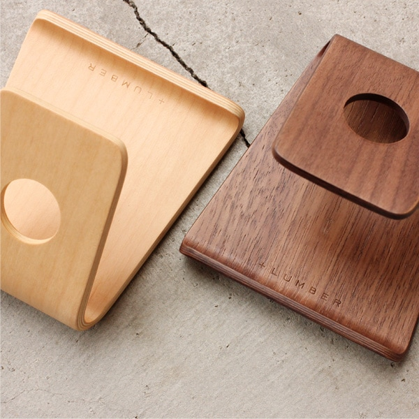 様々なスマホに対応した成形合板の木製スマートフォンスタンド