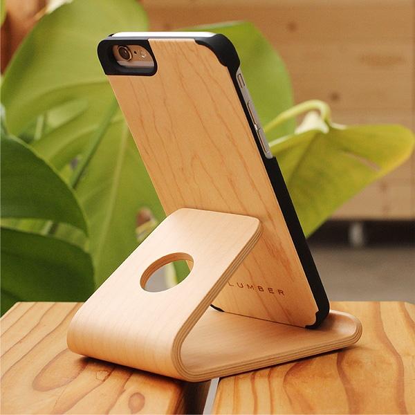 +LUMBERの木製スマートフォンケースとセットで木の表情をプラス