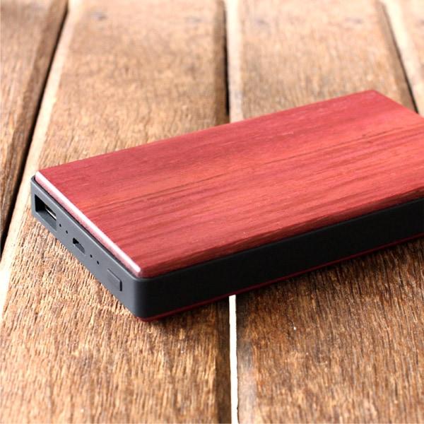 木の質感が心地よいパワーバンク「POWER BANK 4000」iPhoneにも対応