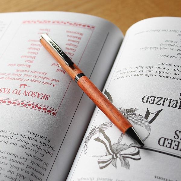 回転式のスリムボールペン