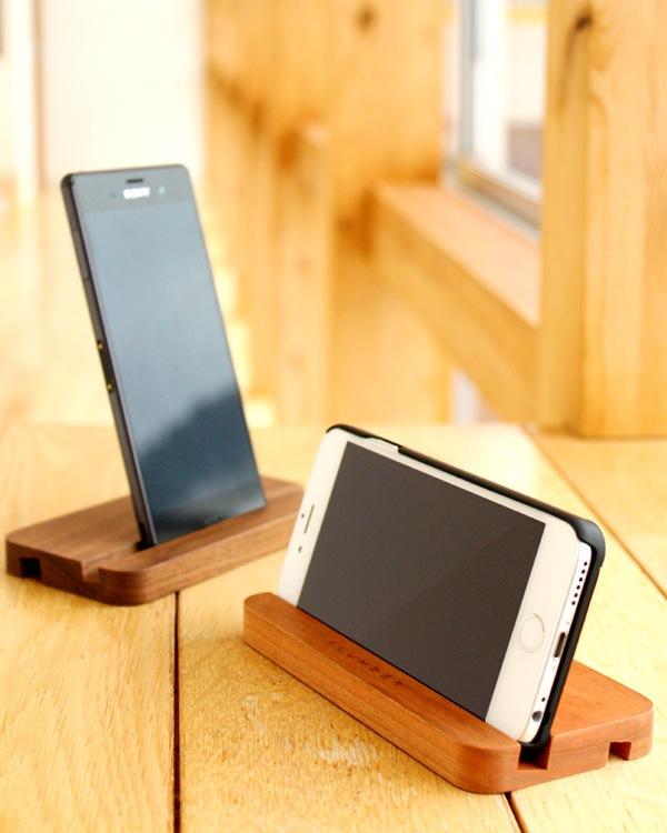 iPhone6/iPhone 6Plus/XperiaZ3に対応した、木製スマートフォンスタンド・ドック