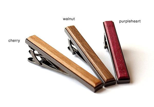 木製ネクタイピンはチェリー・ウォールナット・パープルハートからお選び頂けます。