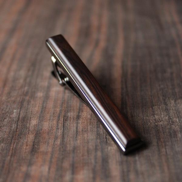 本物の木を組み合わせた木製ネクタイピン「TIE PINS(黒檀)」
