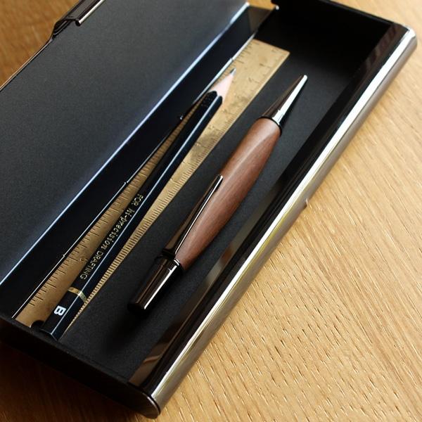 使う程に趣が増し、愛着が生まれるあなただけの木製ボールペンです。