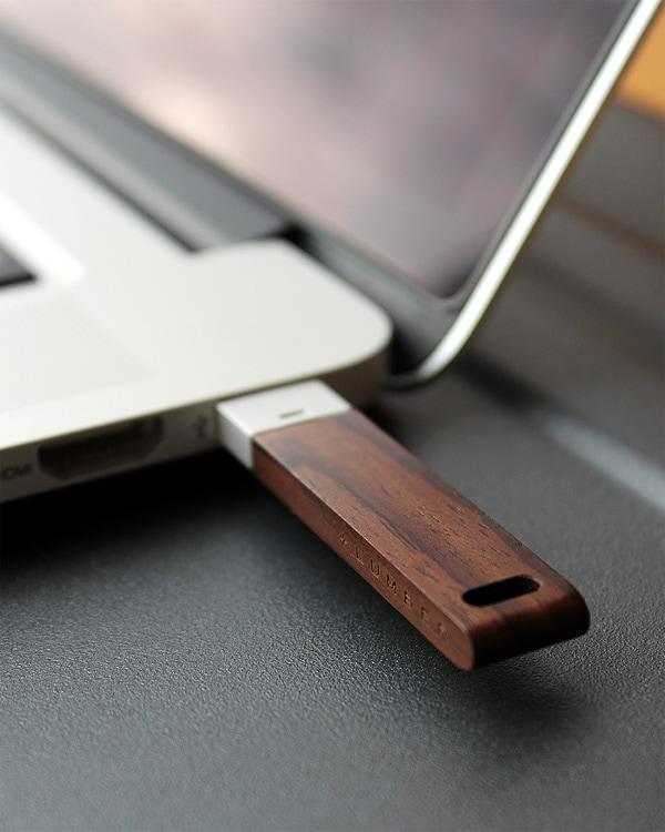 銘木の美しさをプラスした木製USBメモリー