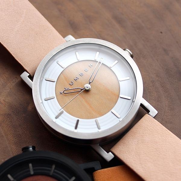 木を活用したステンレス製の木製腕時計