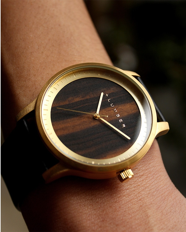 文字盤に本木目を使用した大きくて見やすい腕時計「WATCH 5500」の販売を開始