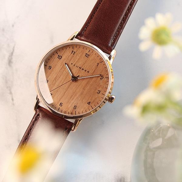 シンプルなスタイルが木目をより強調する木製腕時計、大きくて見やすいビッグフェイス仕様。