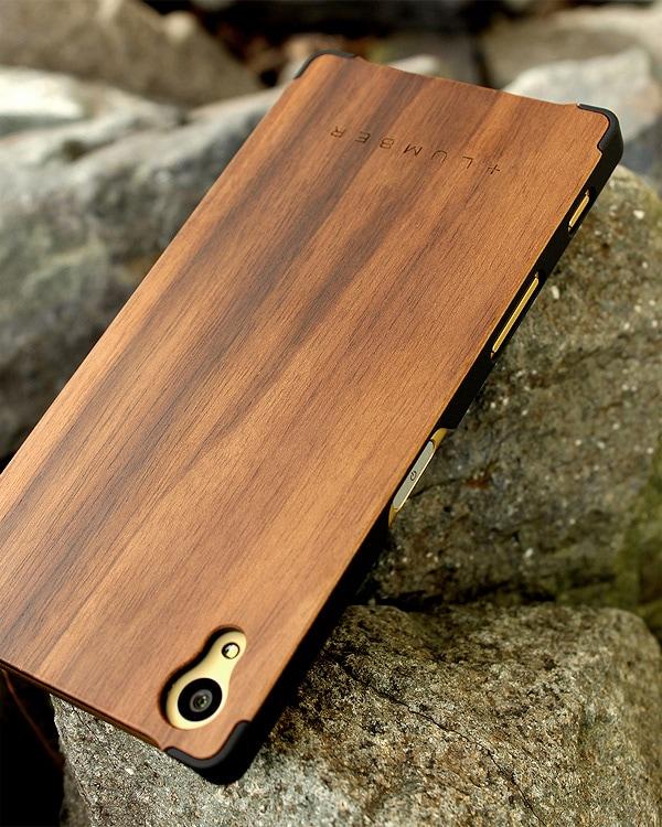 丈夫なハードケースと天然木を融合したXperia Z5専用木製ケース