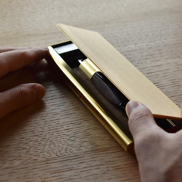 約180×φ13mm迄のペンを収納できます。