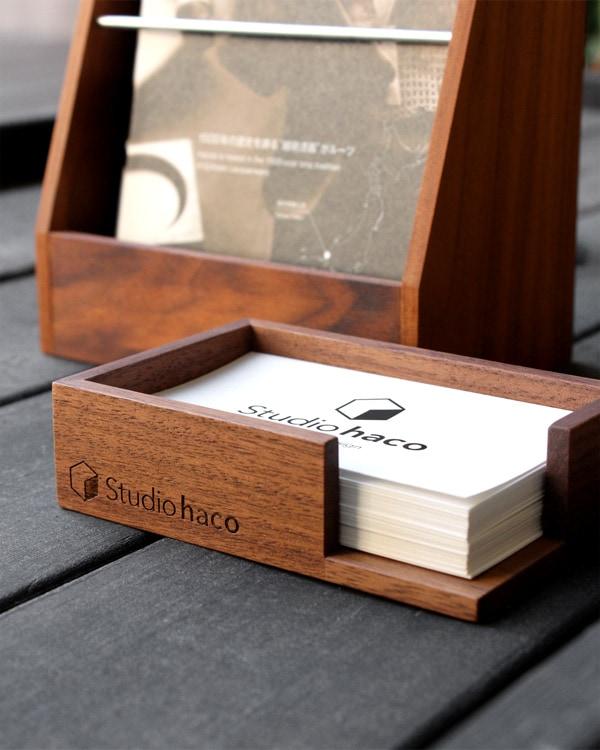 【レーザー刻印代込】会社やショップのロゴを刻印。開店祝いや記念品に適した、木製カードトレイ