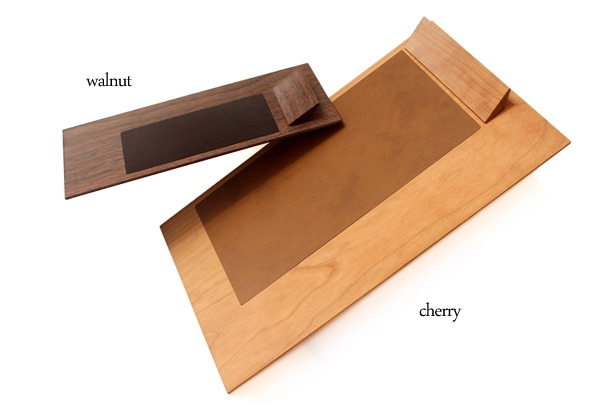 伝票やレシートを書くのに便利な木製クリップボード